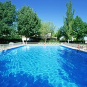 Swimming pool at Parador Albacete