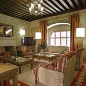 Lounge at Parador Avila