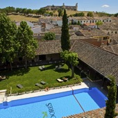 Swimming pool at Parador de Chinchon