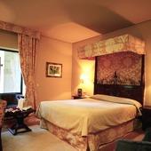 bedroom at Parador of Leon - Spain