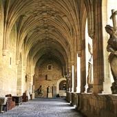 Parador de Leon cloister