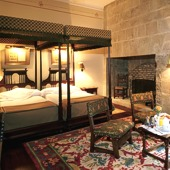 Bedroom at Parador Olite - Spain