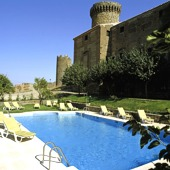 Swimming pool at Oropesa Parador