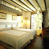 bedroom at Parador de Santillana Gil Blas