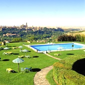 swimming pool at Parador de Segovia