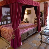 Parador Hotel de Siguenza - bedroom