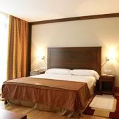 Parador de Soria Hotel bedroom